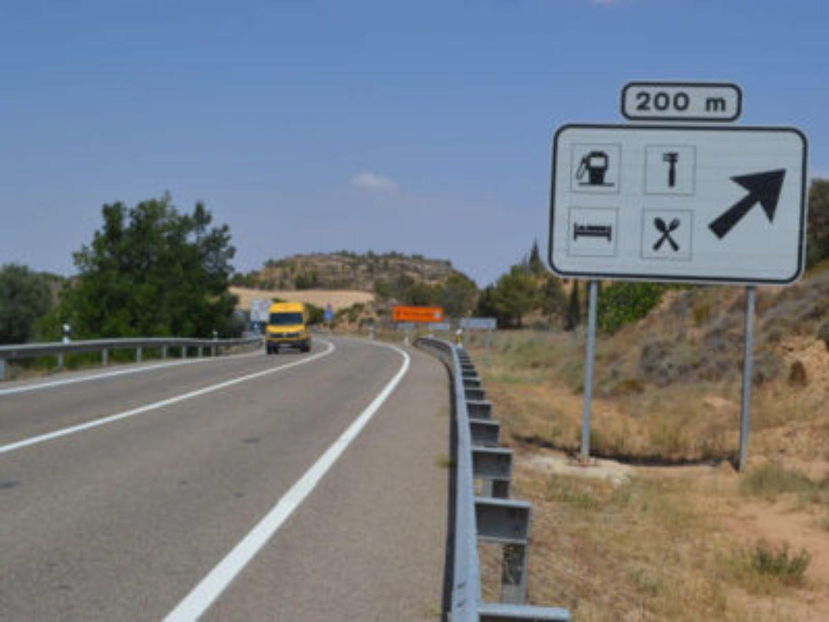 La N-232 a su paso por Alcañiz.