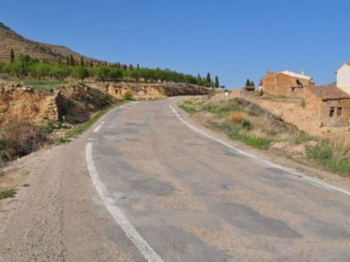 Estado actual en el que se encuentran algunas de las carreteras del Maestrazgo, en muy mal estado