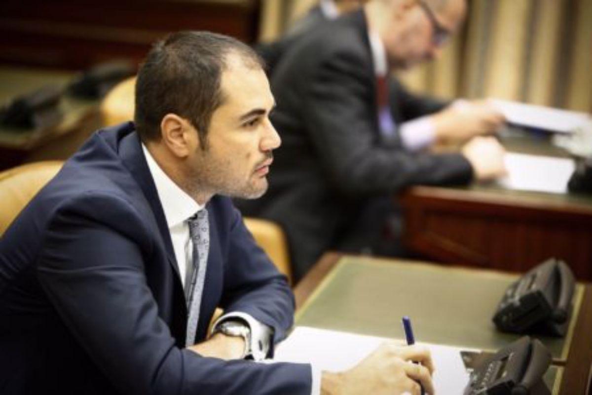 El diputado de Ciudadanos Rodrigo Gómez ha reclamado al Gobierno más inversiones