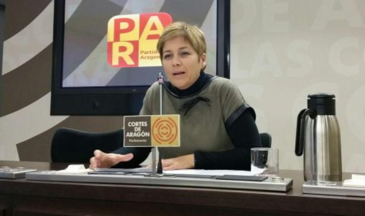 Berta Zapater, del PAR, en la rueda presenta ofrecida ayer por la mañana