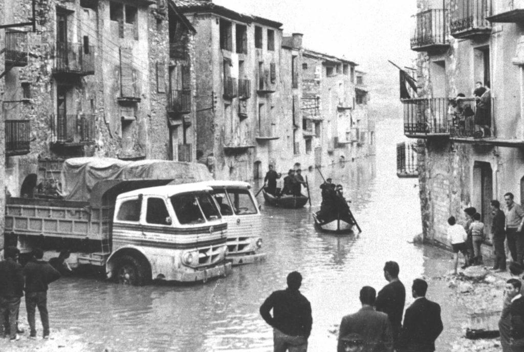 omento de la inundación de la localidad.