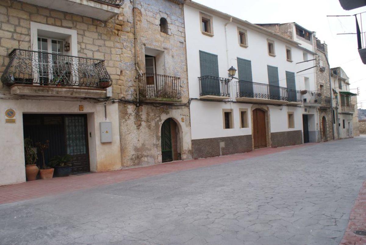 Una de las plazas intervenidas en Nonaspe