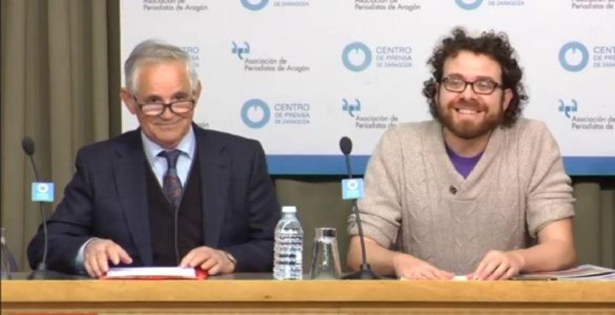 La Asociación Amigos del Castillo del Compromiso realizó un acto reivindicativo en la capital aragonesa