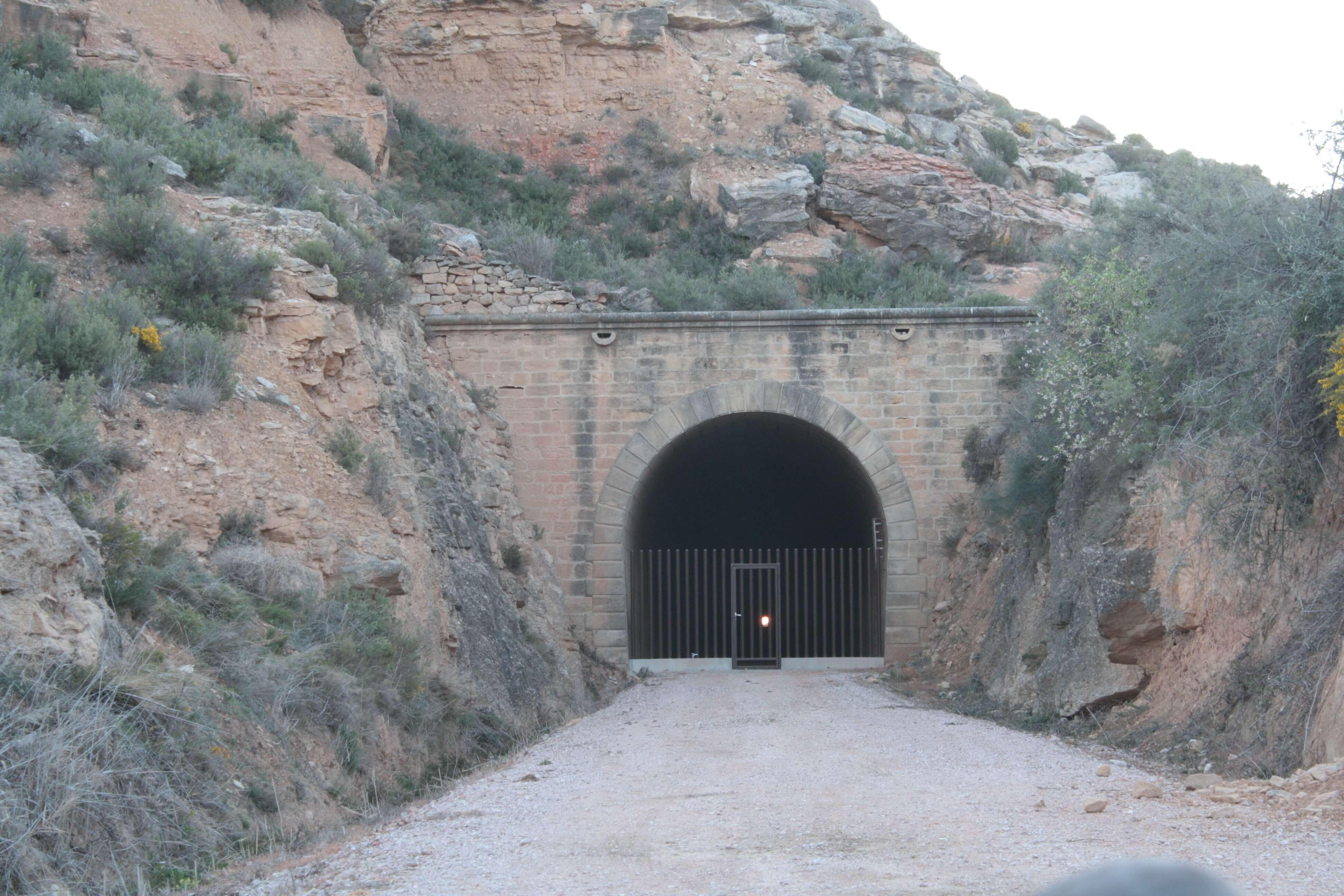 cita-primaveral-tunel-valdealgorfa