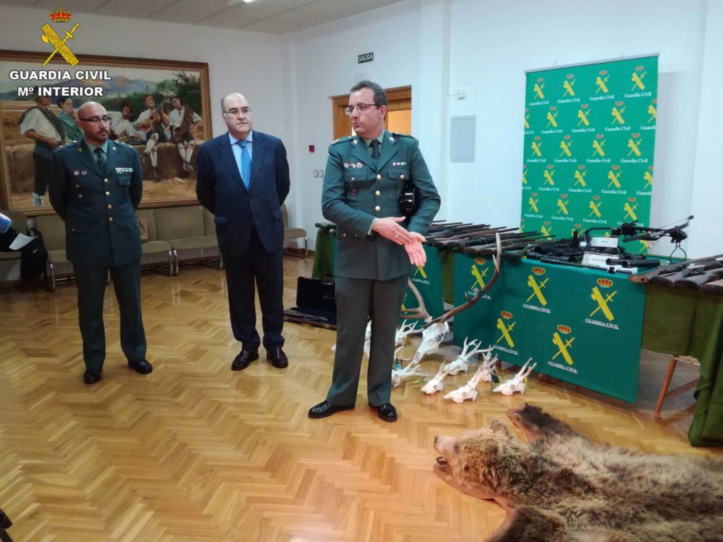 guardia civil caza furtiva presentacion