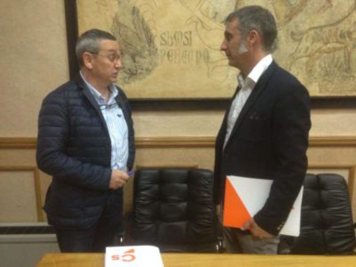 Foto de archivo del portavoz municipal con el responsable regional Ramiro Domínguez