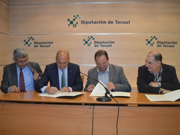 La dpt y caja rural de teruel apoyan econ micamente a las for Caja rural de teruel oficinas