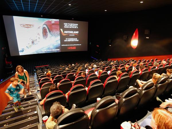 Motorland pone en marcha una promoci n con cars 3 la comarca for Yelmo cines barcelona