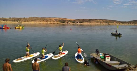 competicion-kayaks-padelsurf-mar-de-aragon-reunio-25-participantes