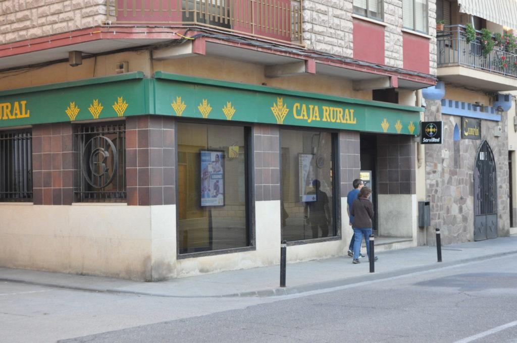 Los depositantes derivan m s de 7 millones de euros al for Horario oficinas caja rural