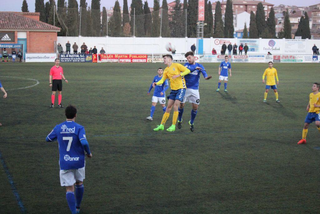Marian remate de cabeza Caspe Robres fútbol