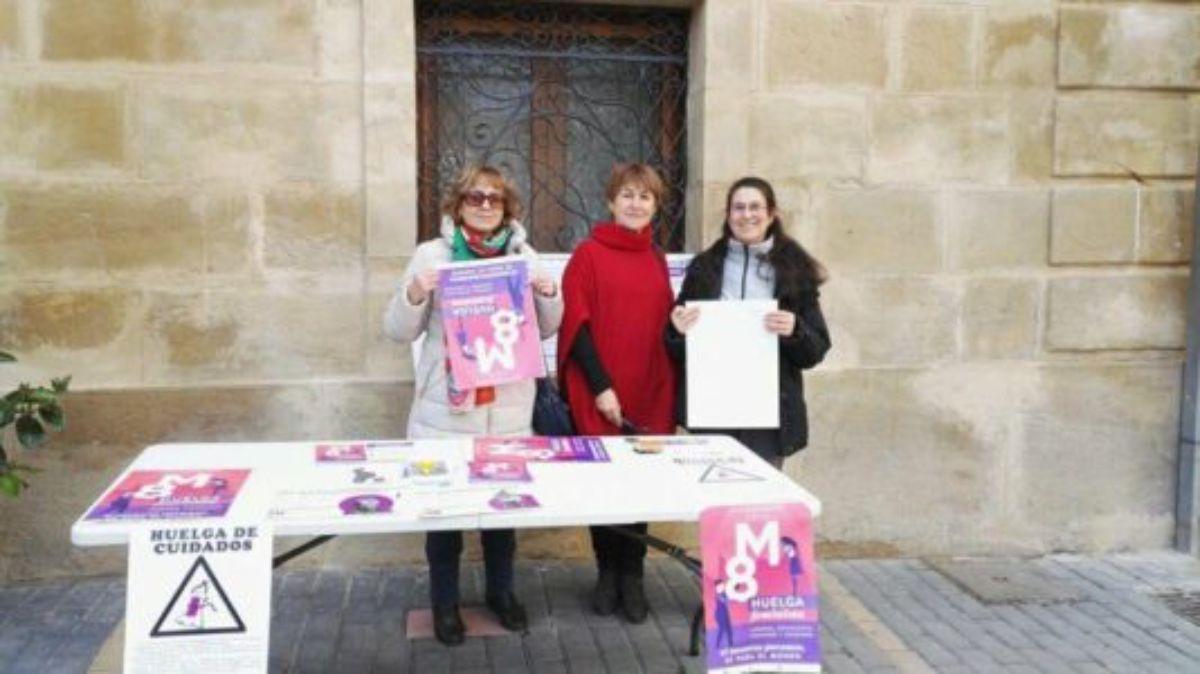 mesa informativa huelga feminista