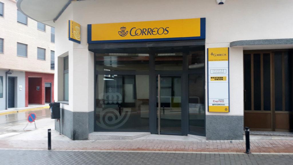Valderrobres estrena oficina de correos la comarca for Oficina de correos parla