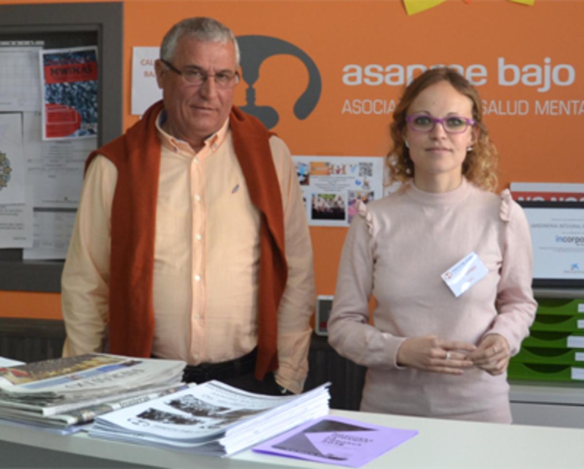 Horencio Pueyo, presidente de Asapme, y Maite Torres, gerente, en el hall de la asociación.