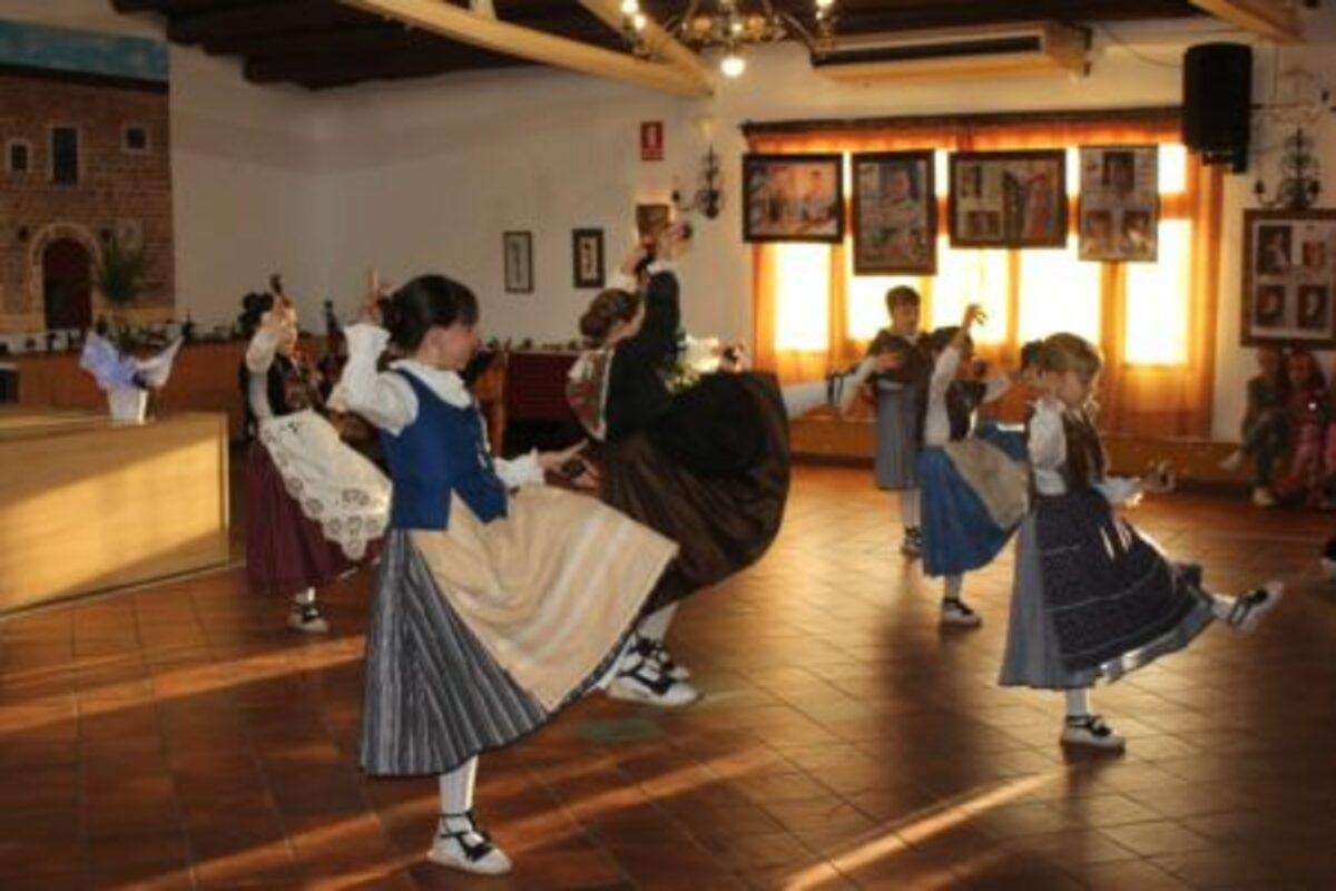 Fin de curso de canto y baile