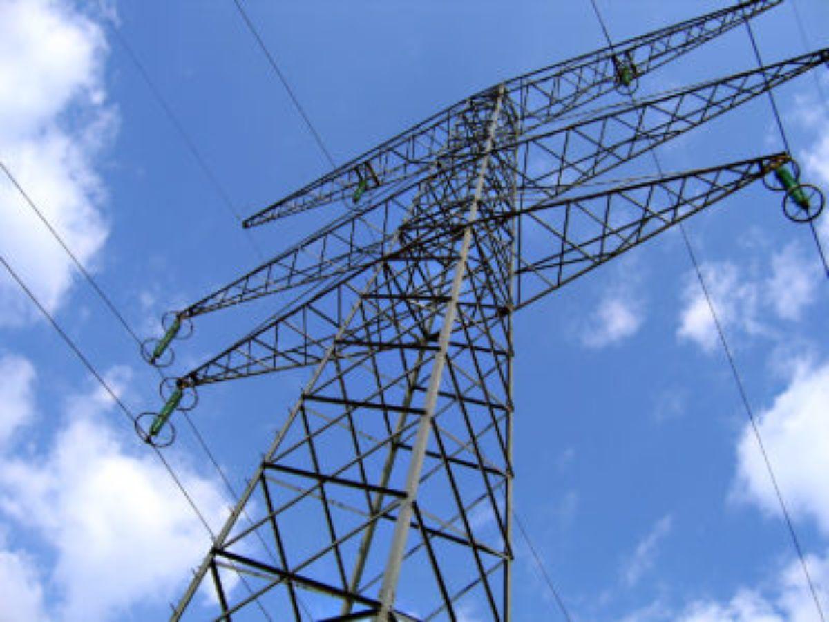 electricidad poste alta tension