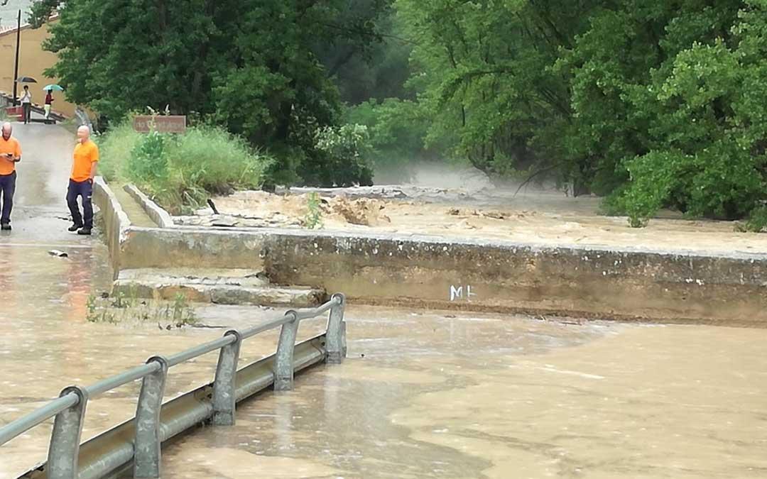aliaga-inundacion2