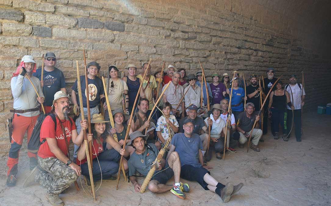 foto grupo participantes campeonato europeo armas prehistoricas azaila