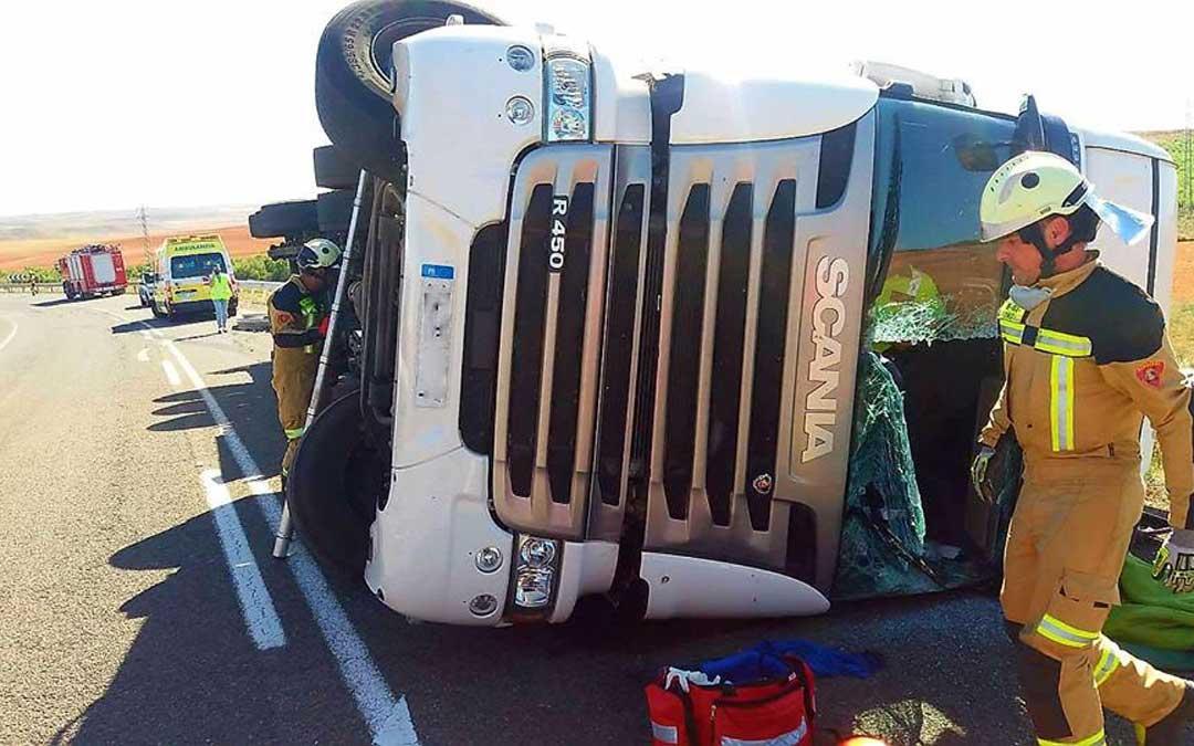 quinto-camion-volcado-232-accidente-detalle