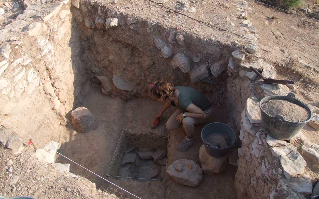 Excavación en el interior del poblado
