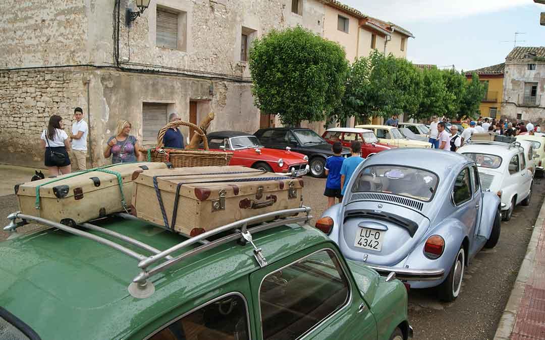 azaila-encuentro-de-vehiculos-clasicos-y-antiguos-2
