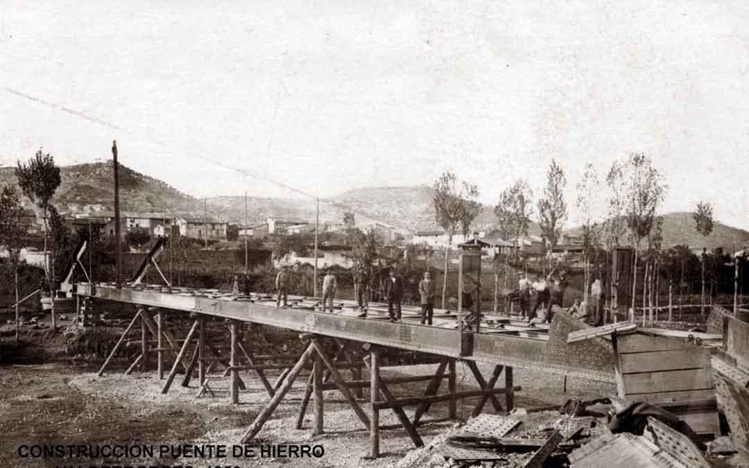 Construcción Puente de Hierro