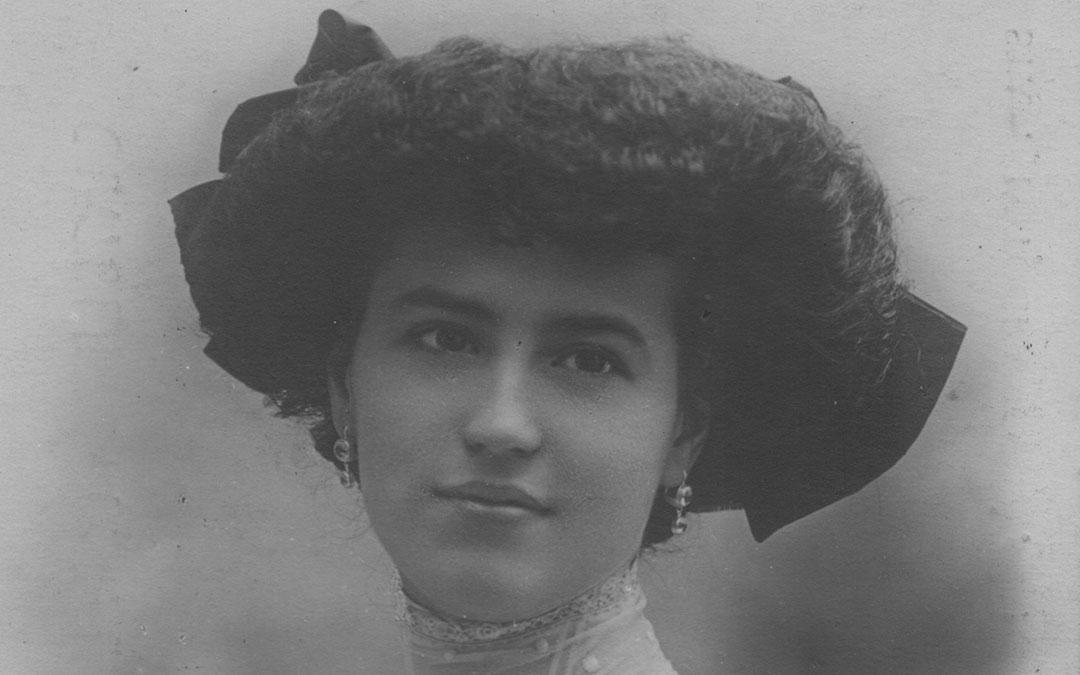 elvira-de-hidalgo-1909-debut