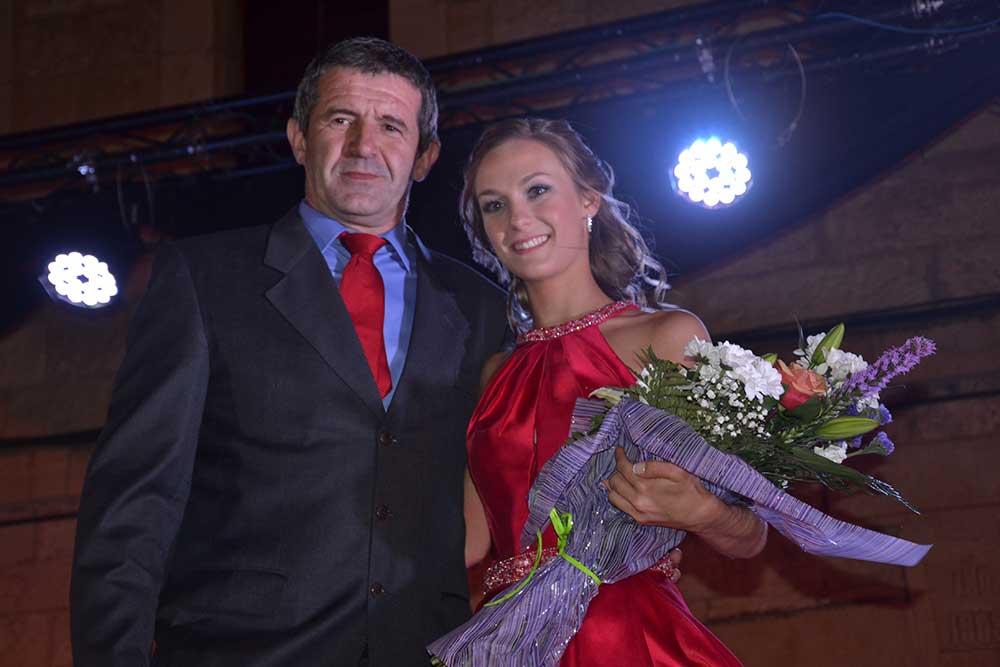 Maja 2018 y concejal Ayuntamiento Castellote