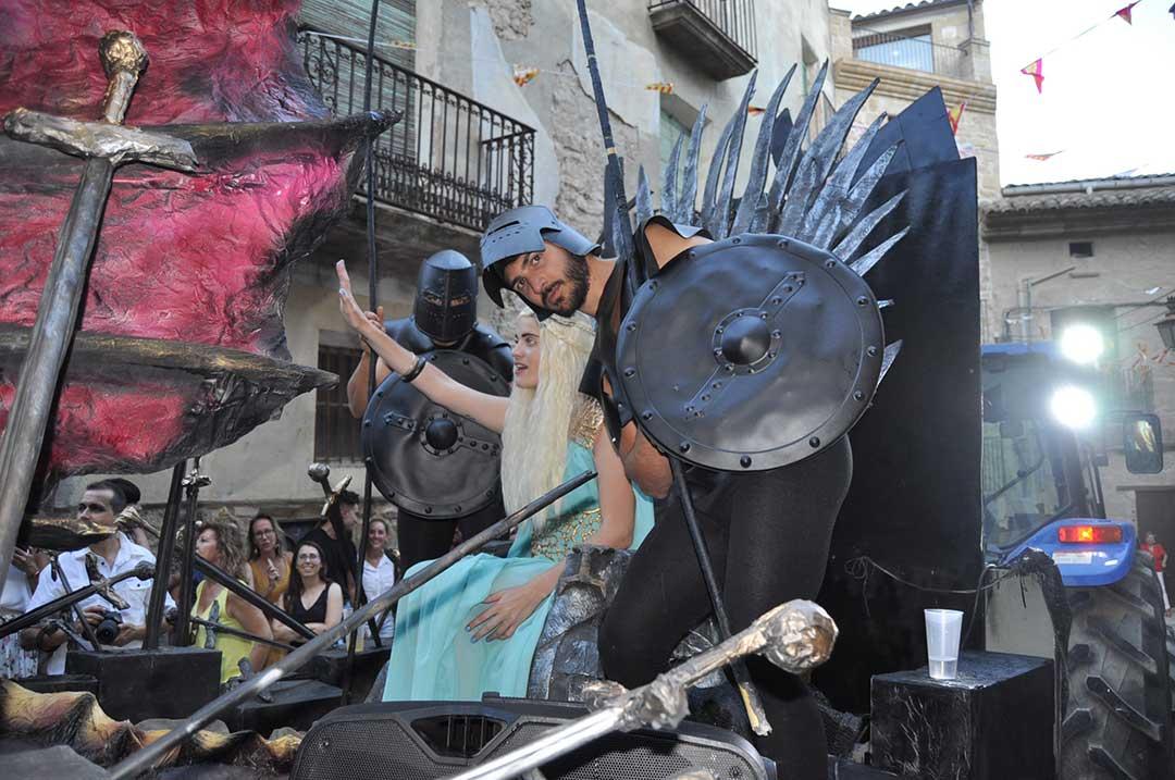 Desfile de carrozas en Calaceite