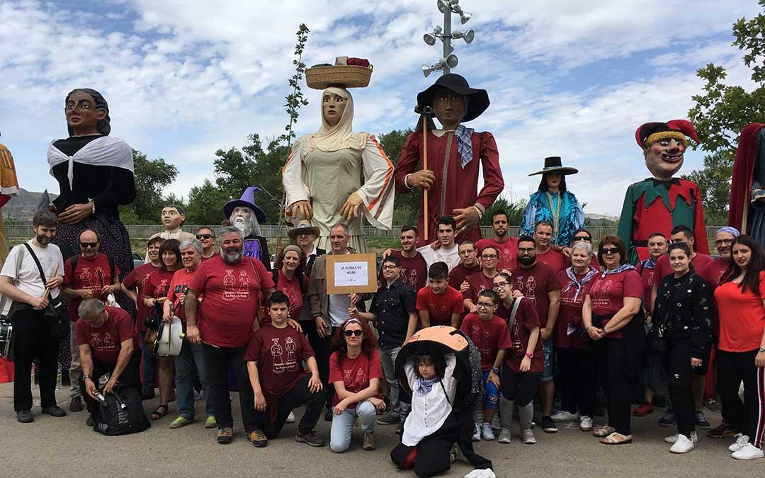 La comparsa en el XVIII Encuentro de Gigantes de Aragón, este año en Fraga