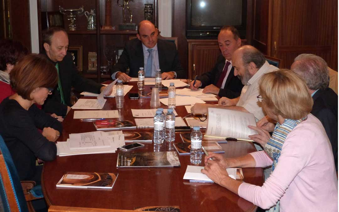 Foto de archivo de una reunión del Centro de Estudios de Arte del Renacimiento