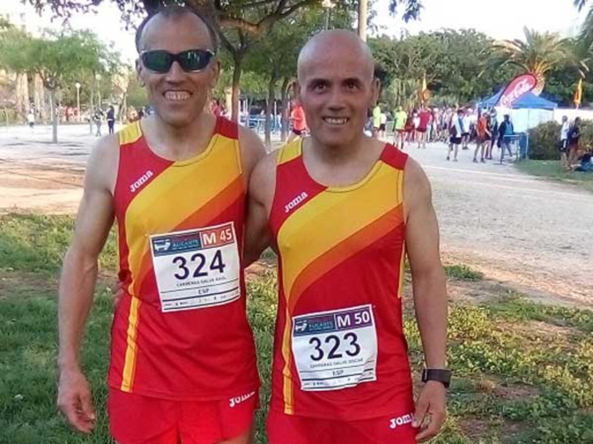 Los hermanos Carreras vistiendo los colores de la selección nacional