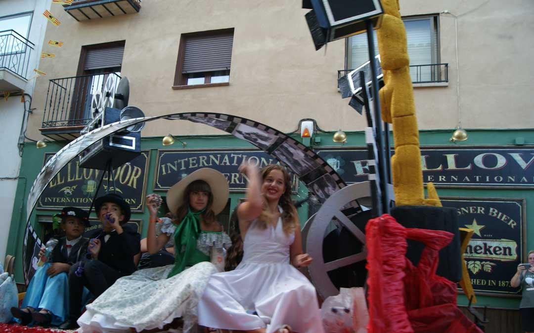 castellote-fiestas-carrozas-cine