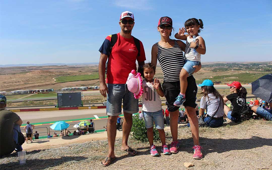 Daniel Agustín y su familia en la Pelouse 4. Valoran «tener un gran circuito tan cerca del pueblo».