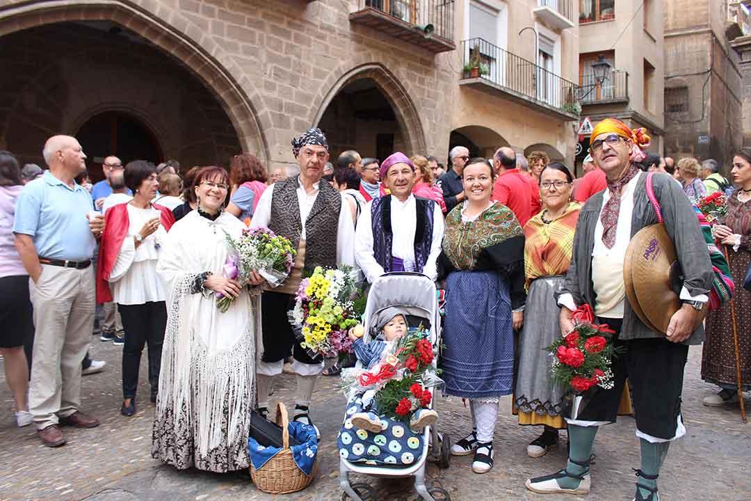Ofrenda floral Virgen de Pueyos