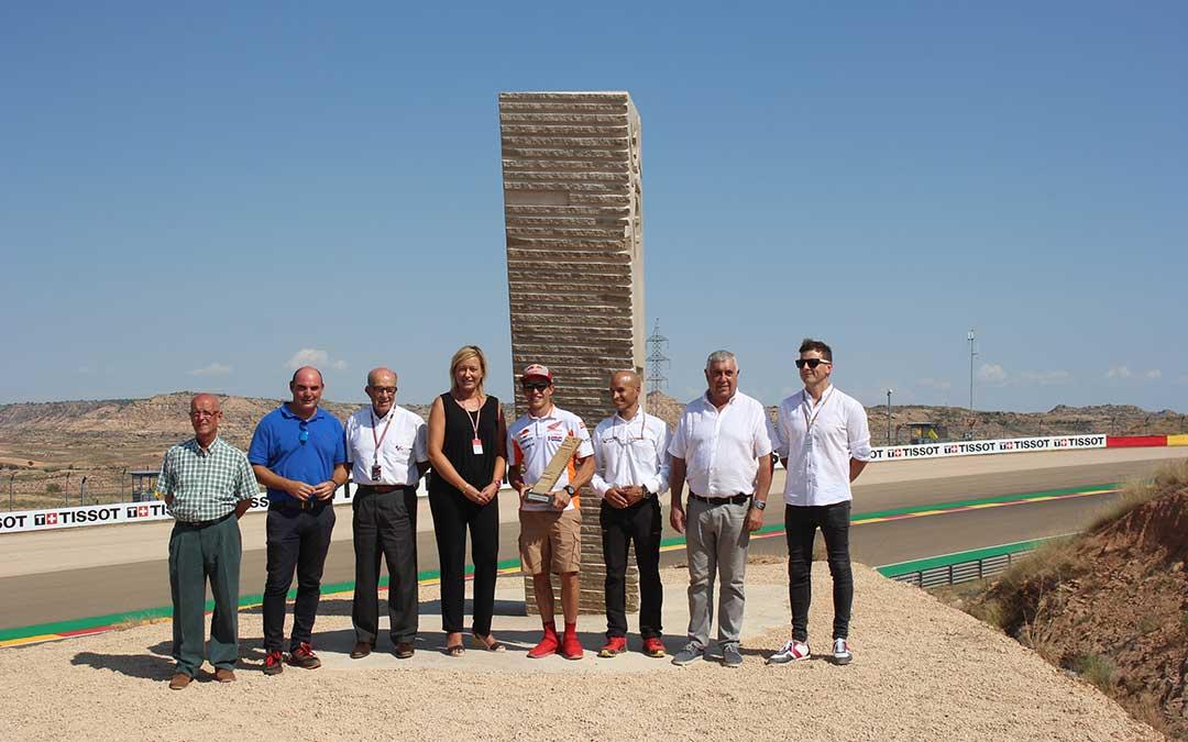 Inauguración de la escultura de la curva 10 en honor a Marc Marquez