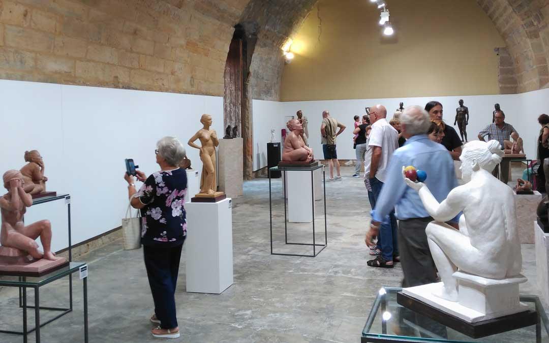 albalate expo escultura malabarista