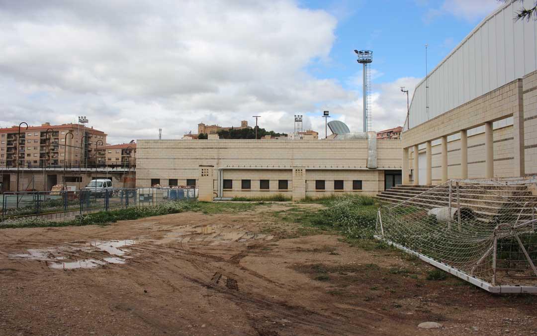 La nueva piscina se construirá en la Ciudad Deportiva Santa María en unos terrenos entre la pista azul y las pistas de tenis