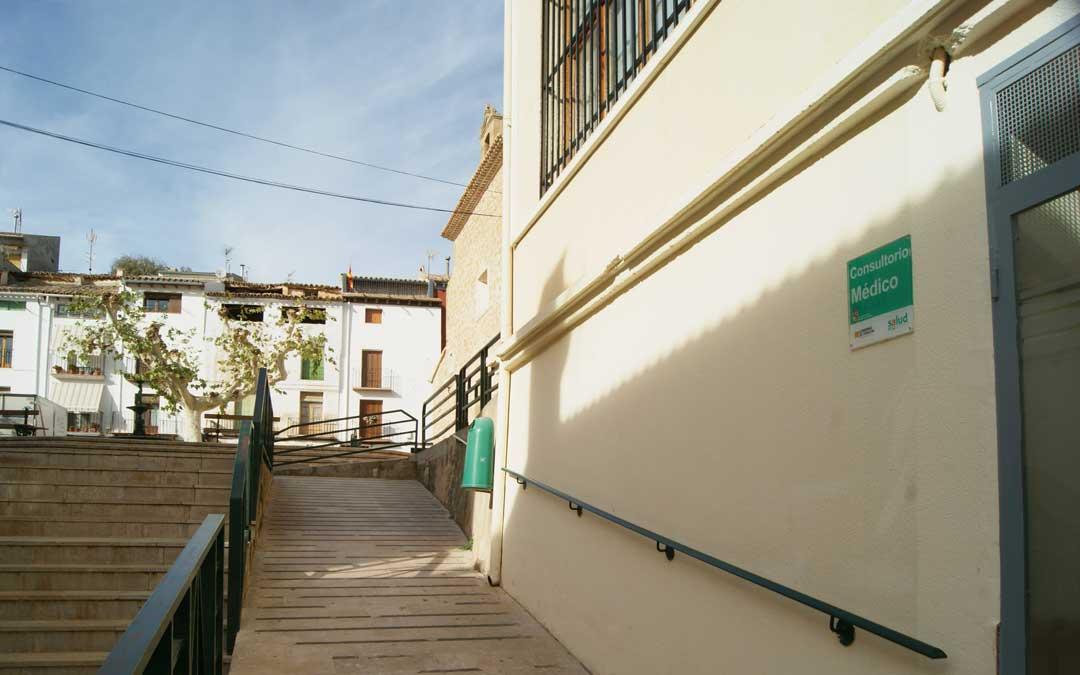 escaleras junto al consultorio de albalate