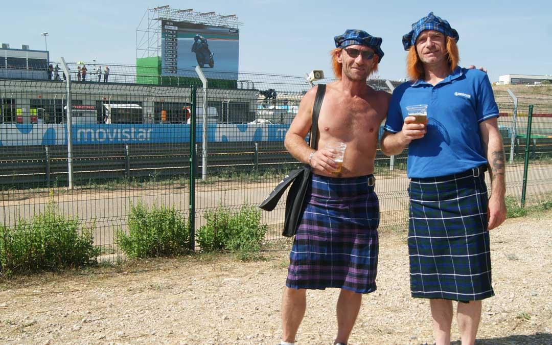Amigos escoceses en el circuito. BEATRIZ SEVERINO