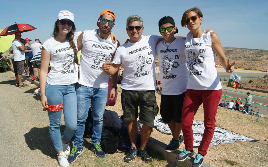 """Un grupo de madrileños """"perdido"""" en Alcañiz. BEATRIZ SEVERINO"""