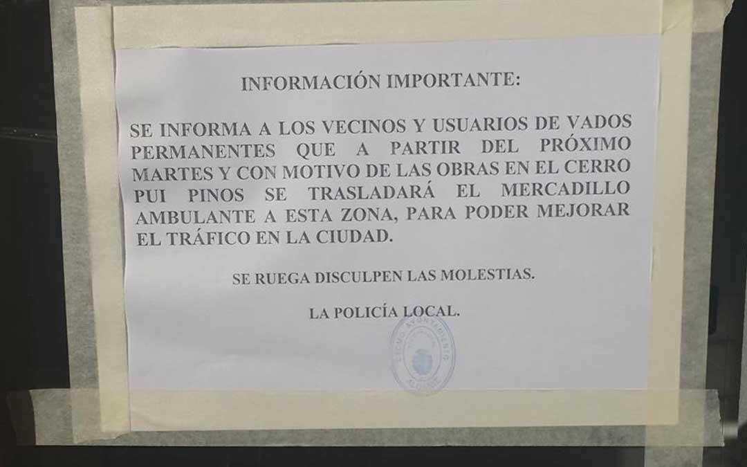 La Policía ha avisado a los vecinos de la zona con un cartel informativo colocado en los portales