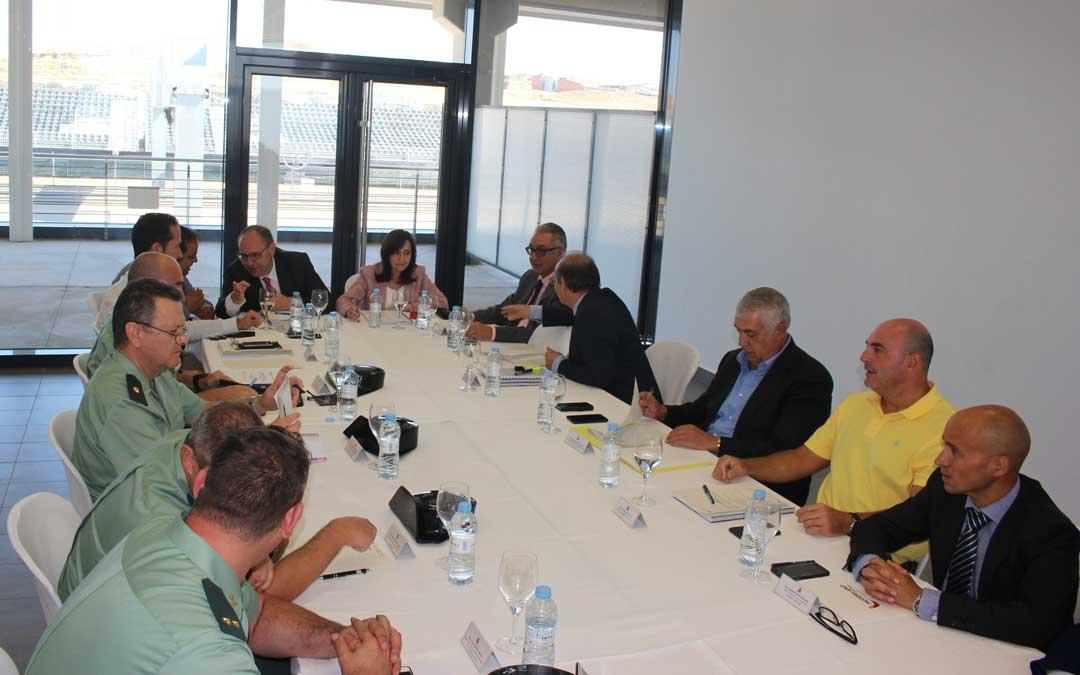 La Junta de Seguridad aprobó ayer el plan de tráfico y de seguridad. Una reunión presidida por la nueva subdelegada del Gobierno en Aragón, Carmen Sánchez.