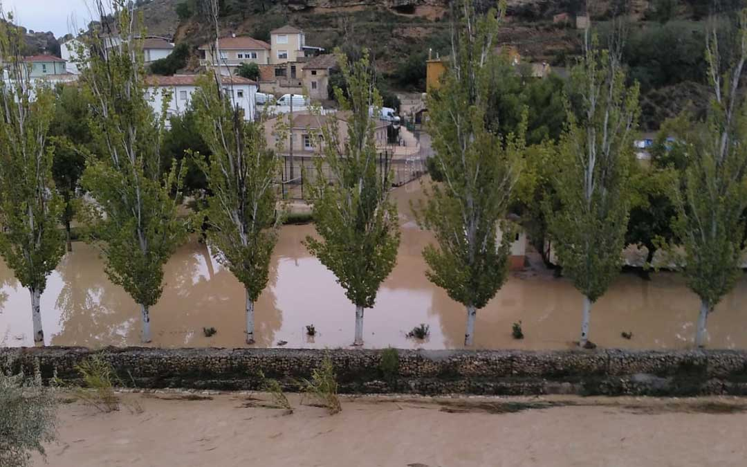 El río Martín a su paso por Albalate esta mañana