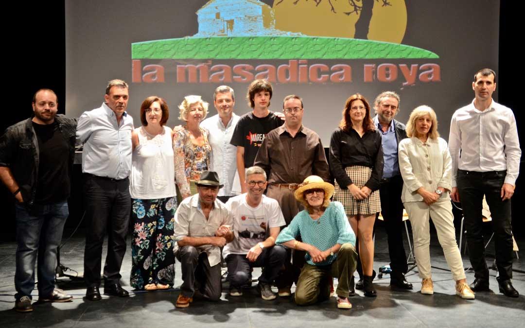 Foto de familia de todos los participantes. la masadica roya