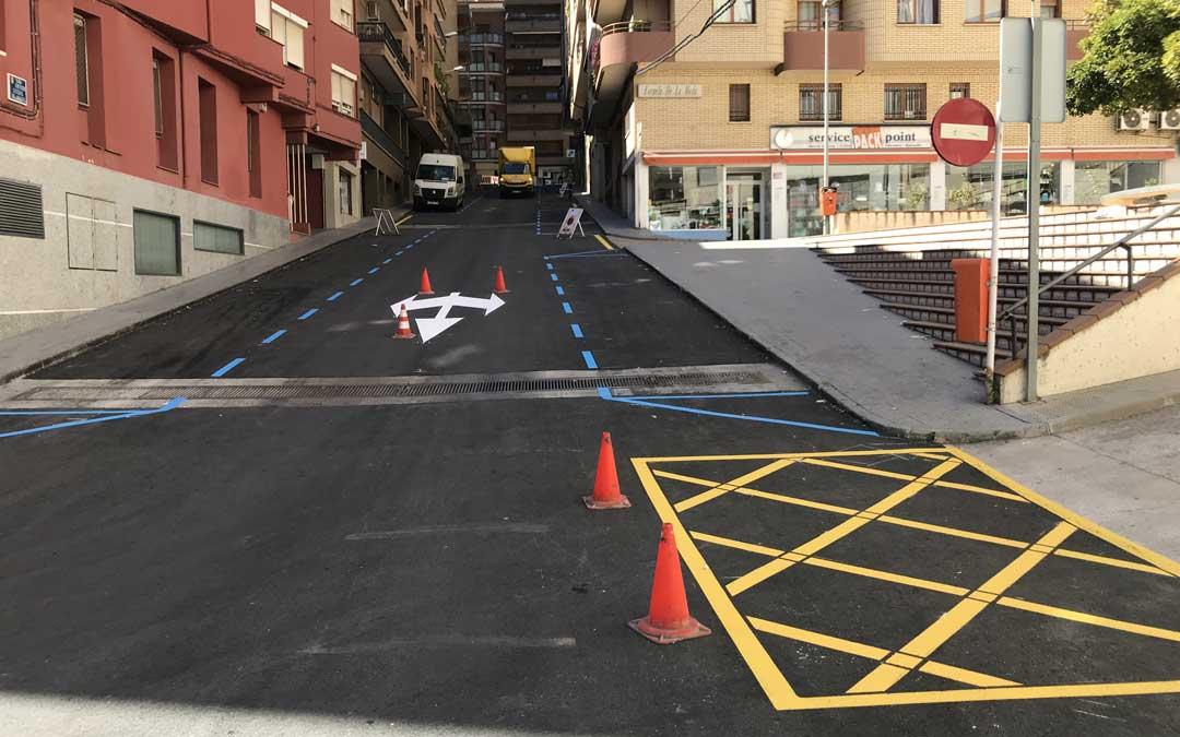 La sustitución del asfalto se ha complementado con la mejora la señalización vertical y horizontal