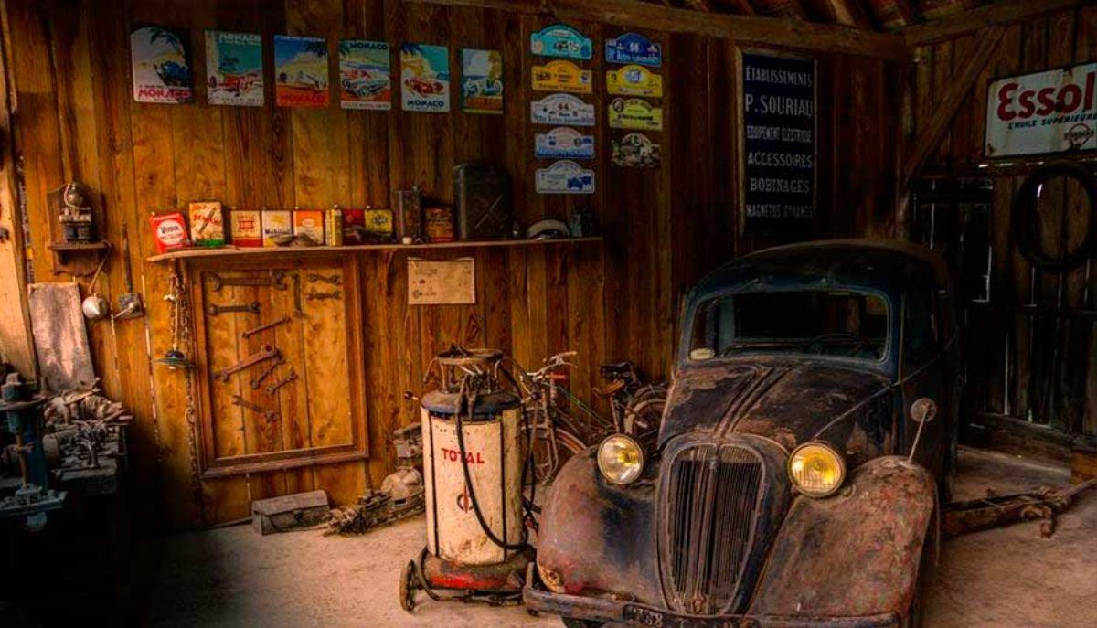 coche-antiguo-garaje-dibujo