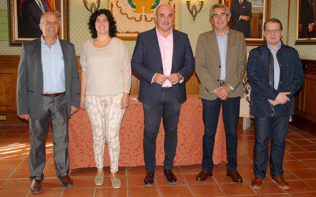 izqda. a dcha., Giménez, Prats, Gracia, Bosque y Muñoz