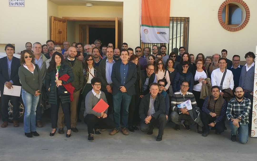 Foto de familia de gran parte de los asistentes al E-Commerce Day este miércoles por la mañana en Castelserás