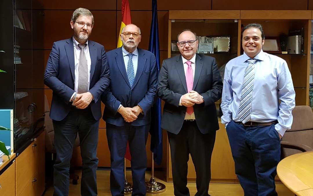 Urquizu, diputado PSOE; Herrero, director Carreteras; Morro, subdelegado en Teruel; y Amador, jefe gabinete de Subdelegación